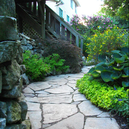 Peace love landscaping serving clients in oakville for Landscaping rocks burlington ontario